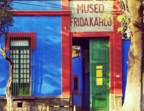 """""""La Casa Azul"""": il famoso museo nella casa blu di Frida Kahlo, in Messico"""