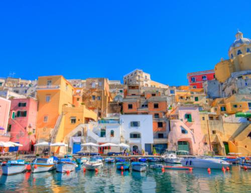 Procida: cosa visitare e cosa mangiare nella Capitale italiana della Cultura 2022